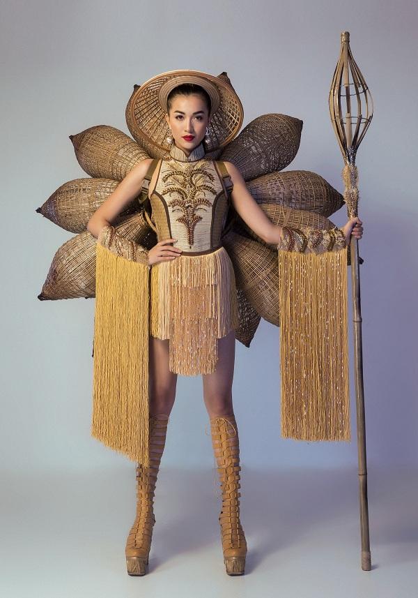 Lệ Hằng vẫn ''tự thưởng'' dù trắng tay tại Miss Universe - 4