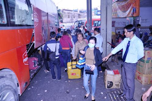 Người dân trở lại SG sau Tết, đường phố thông thoáng - 6