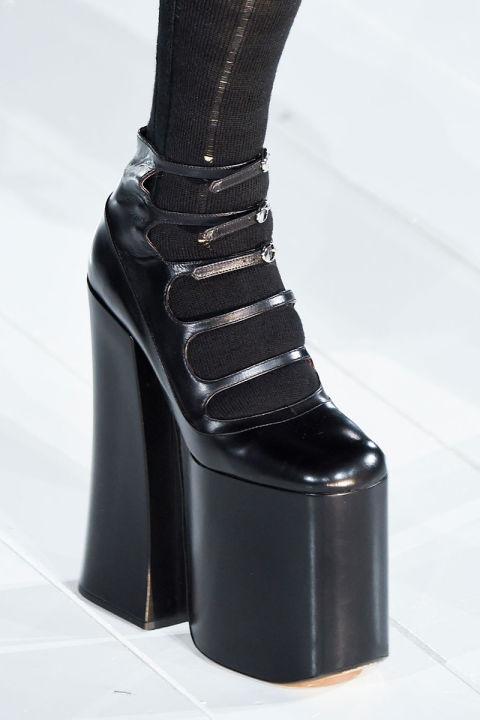 12 đôi giày làm khuynh đảo làng thời trang thế giới - 3