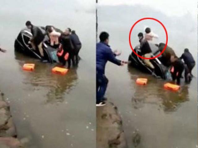 Thót tim ông bố ném con vào bờ khi ôtô chìm nghỉm