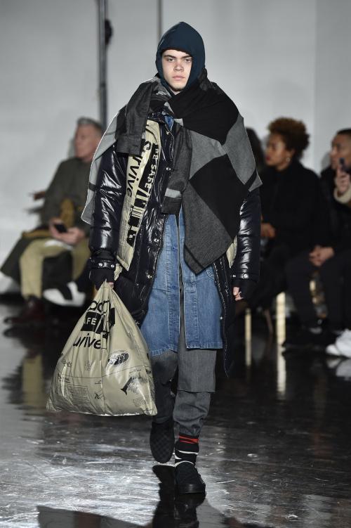 """Khi thời trang vô gia cư """"bùng nổ"""" trên sàn diễn - 2"""