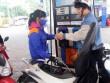Giữ nguyên giá xăng, giá dầu giảm nhẹ