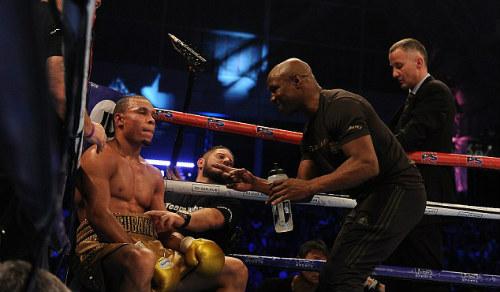 Boxing, cha rồng con hổ: Trên đỉnh thế giới - 3