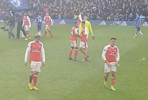 """Sanchez """"tàng hình"""", chán nản Arsenal đến cùng cực - 2"""