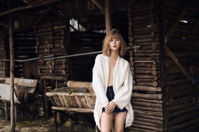"""Quỳnh Anh Shyn sexy với áo tắm khoét hông """"hiểm hóc"""" - 8"""