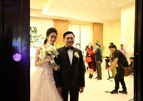 """Hé lộ con số """"khủng"""" sau 3 lần """"cưới"""" của HH Thu Ngân - 1"""