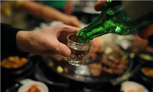 Mệt mỏi, chán ăn do rượu bia sau tết- dấu hiệu không thể chủ quan - 1