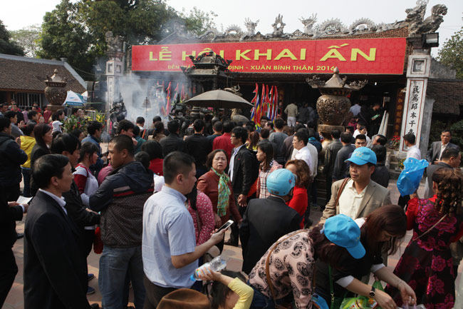 Nam Định: Hơn 1.000 người bảo vệ lễ khai ấn đền Trần - 1