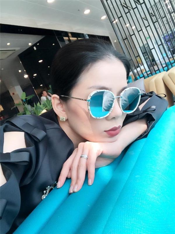 Elly Trần, Lệ Quyên mua trang sức siêu xinh ngày thần tài - 1