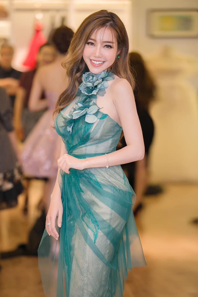 Elly Trần, Lệ Quyên mua trang sức siêu xinh ngày thần tài - 3