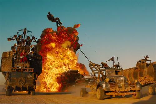 """Có gì trong bộ phim điên rồ bậc nhất của """"lão đạo diễn"""" U80 - 4"""