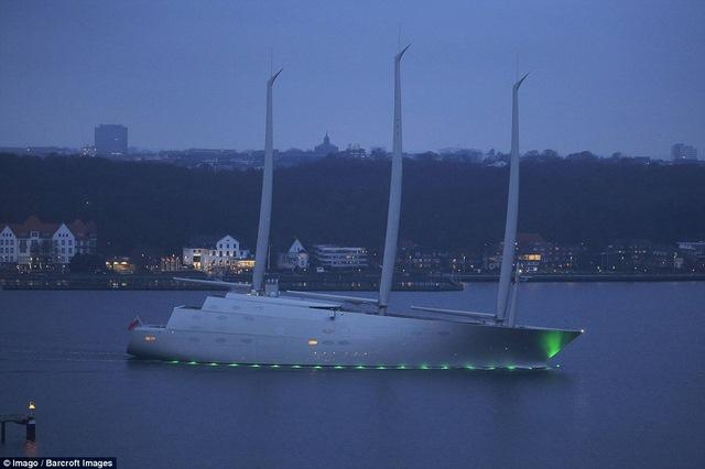 Siêu du thuyền 10.000 tỉ rời bến đến tay tỉ phú Nga - 1