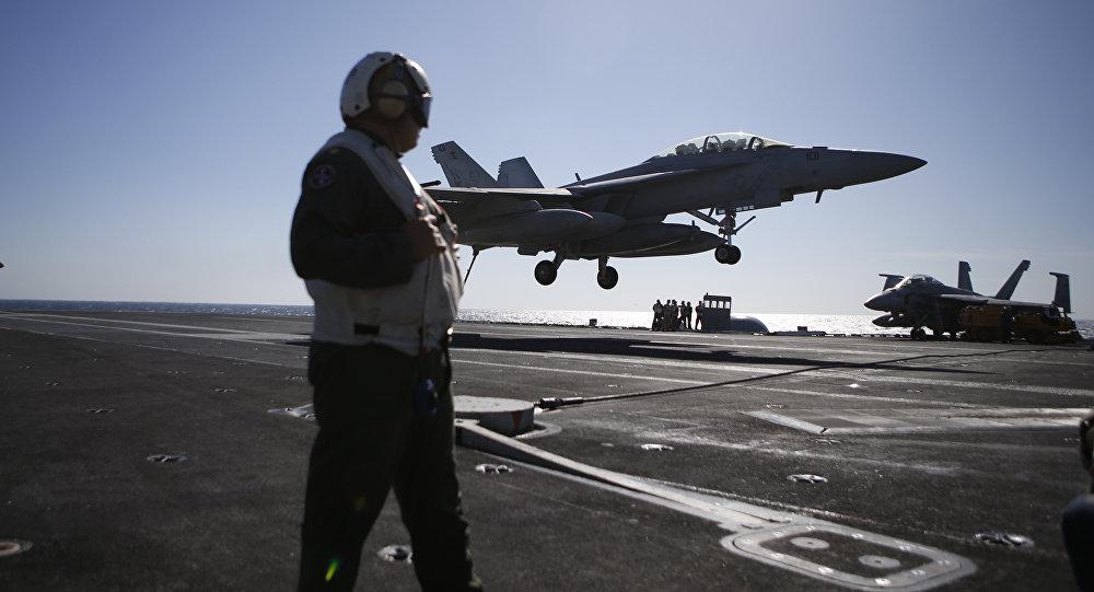 Lượng lớn chiến đấu cơ của Hải quân Mỹ không đủ chuẩn bay - 1