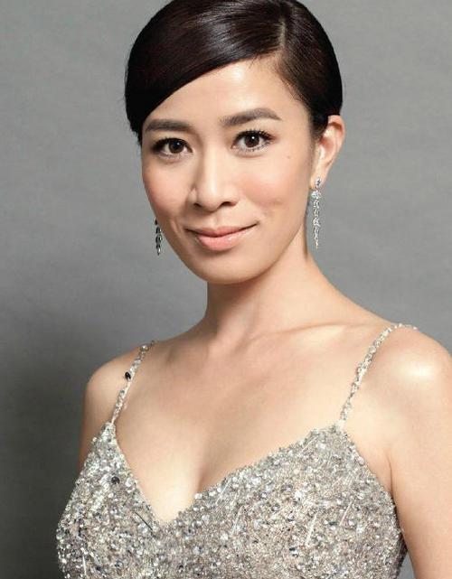 Á hậu giàu, sexy nhất Hồng Kông yêu nhiều vẫn lẻ loi - 10