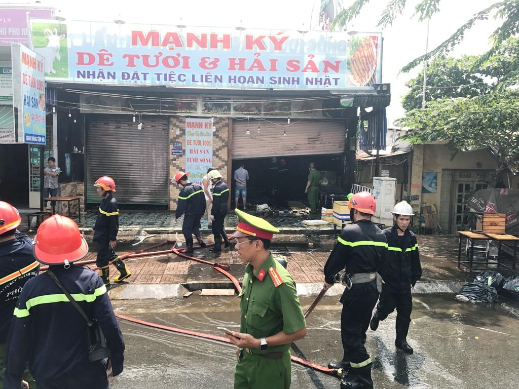 TP.HCM: 3 vụ cháy xảy ra liên tiếp trong buổi sáng - 1