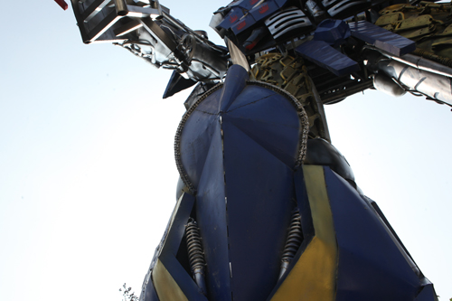 Xuất hiện robot khổng lồ cao 9m ở Hà Nội - 7