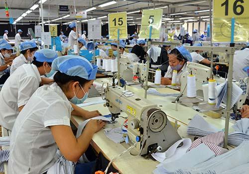 Việt Nam sẽ tăng trưởng mạnh hơn trong năm 2017 - 1