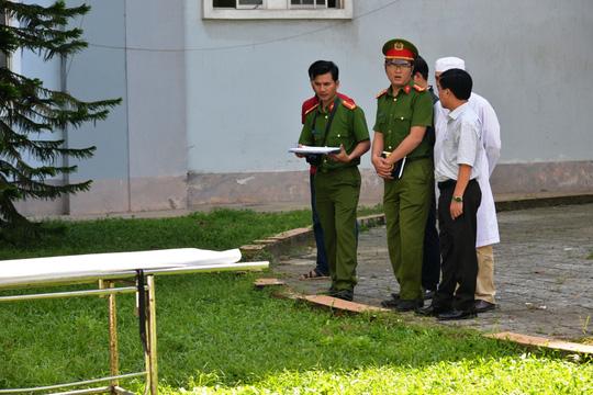 Hai người nhảy lầu tự tử tại Bệnh viện Quảng Ngãi - 2