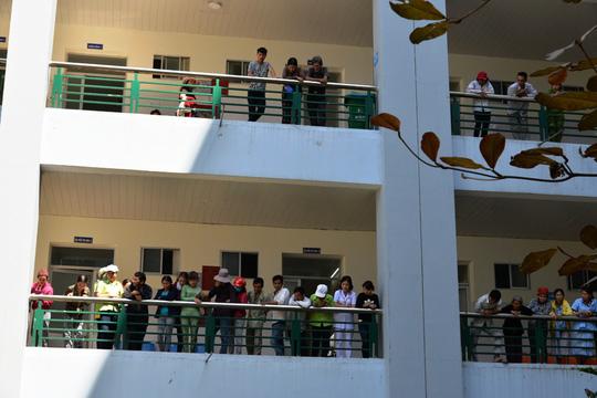 Hai người nhảy lầu tự tử tại Bệnh viện Quảng Ngãi - 1
