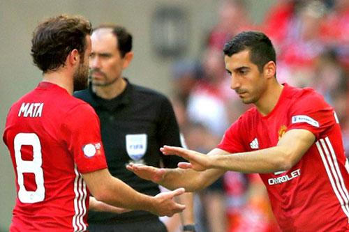 MU không thể vô địch NHA: Mourinho đang xây, hay phá? - 2