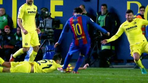 Barcelona: Trọng tài thích thiên vị hay xử ép? - 3