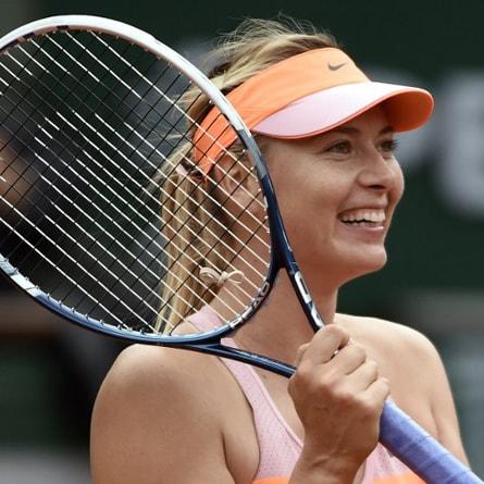 Không cầm vợt, cô gái này phải là siêu mẫu và giàu có - 1