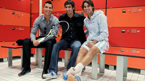 Tin thể thao HOT 9/2: Chú Nadal đề cao Djokovic, Murray - 2