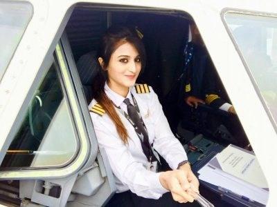 """Nàng phi công """"gây sốt"""" vì xinh như thiên thần - 5"""