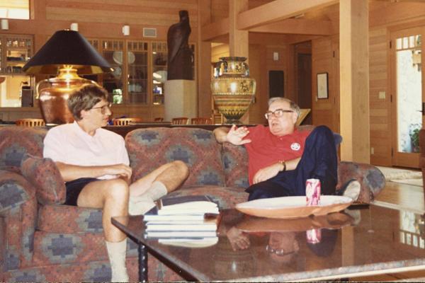 """Bill Gates – Warren Buffett và bài học """"giàu vì bạn"""" - 1"""