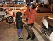 Tin tức trong ngày - Bé trai đi lạc được CSGT đưa về bên mẹ