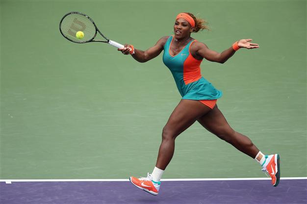 """Váy áo """"quá khích"""" của 4 tay vợt nữ đình đám thế giới - 8"""