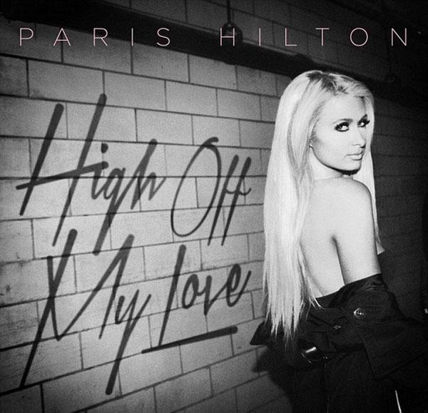 """Paris Hilton """"đốt mắt"""" người nhìn với style phô chân ngực - 7"""