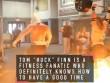 Siêu dị: Lực sĩ nâng tạ 200kg, chạy rồi nhảy vào lửa