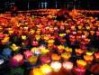 Hoa đăng rực sáng trên sông Sài Gòn đêm rằm tháng Giêng