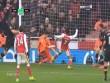 Arsenal – Wenger thắng may, trọng tài phải xin lỗi
