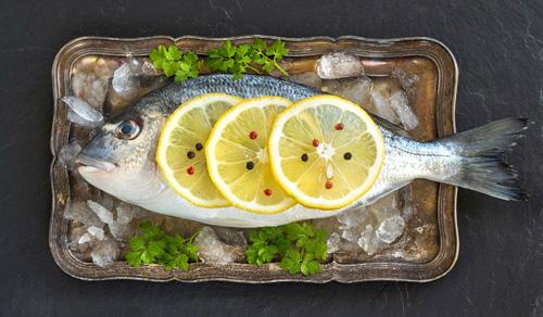 Để khử mùi tanh khi nấu cá, nhất định đừng bỏ qua 3 bước này - 3