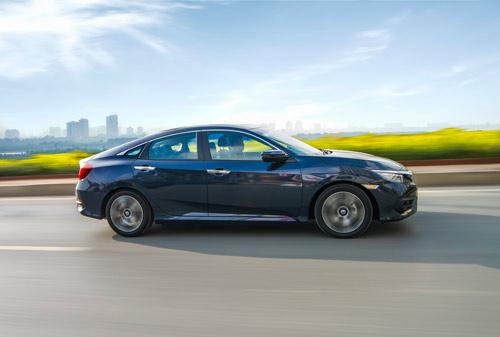 Honda Civic đạt doanh số bán ấn tượng trong tháng đầu tiên bán hàng - 2