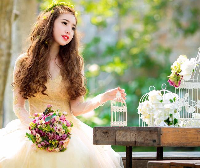 Elly Trần mặc soiree cúp ngực gợi cảm, chuẩn bị cưới chồng? - 6
