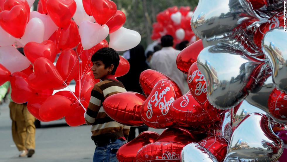 Quốc gia cấm toàn dân ăn mừng ngày Valentine - 1