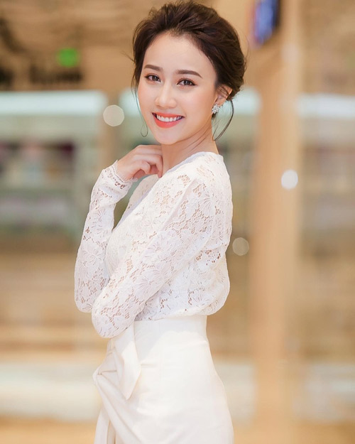 """5 hot girl cực xinh, siêu giàu vẫn """"lẻ bóng"""" Valentine - 6"""
