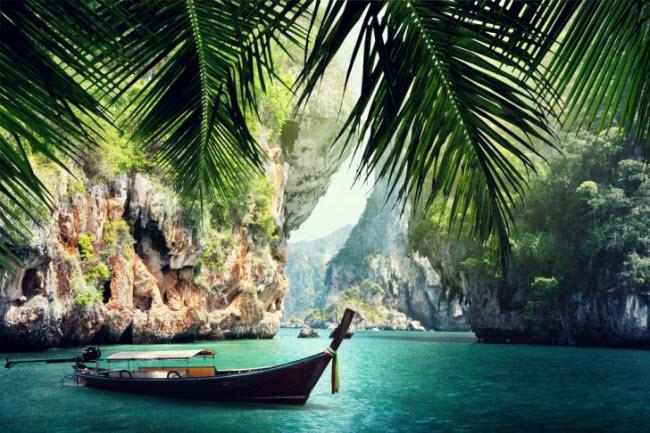 Người dân ở Thái Lan rất thân thiện và chi phí sinh hoạt khá thấp, nên du khách chắc chắn sẽ có những trải nghiệm văn hóa và ẩm thực thú vị. Bạn cũng có thể tham gia một lớp học nấu ăn trong thời gian khám phá đất nước Đông Nam Á này.