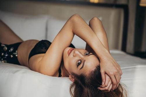 """Anh em """"phát sốt"""" với mỹ nhân độc thân sexy nhất làng mẫu - 8"""