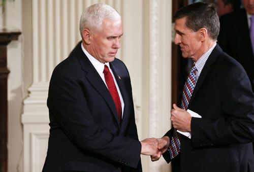 Cố vấn an ninh quốc gia Mỹ từ chức vì liên quan đến Nga - 2