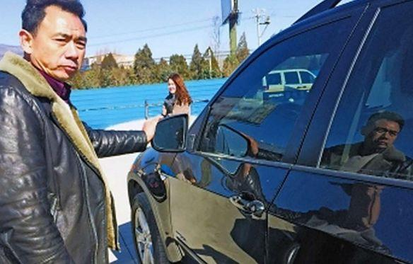 Nam sinh đặt thơởng 33 triệu đồng dù công hỏng xe BMW - 2
