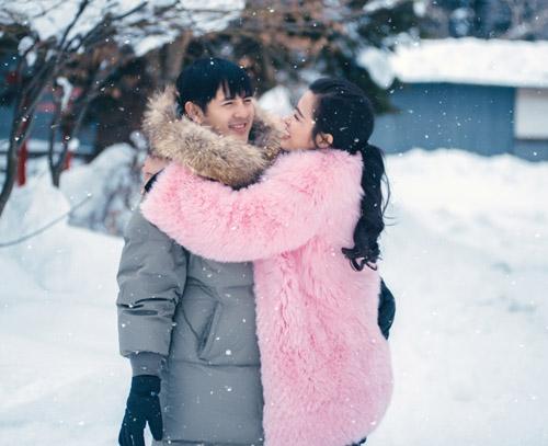 Đông Nhi và bạn trai diễn cảnh yêu quá ngọt - 1