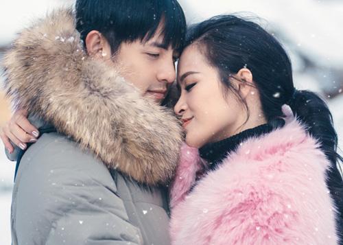 Đông Nhi và bạn trai diễn cảnh yêu quá ngọt - 4