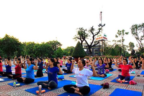 Tăng cường sức khỏe cặp đôi cùng Yoga - 5