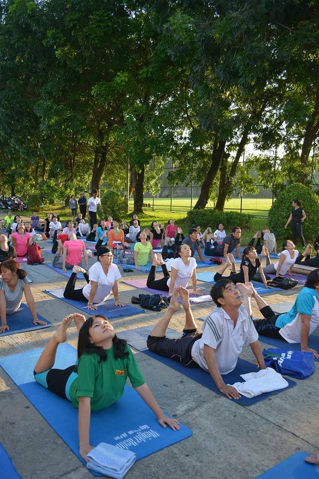 Tăng cường sức khỏe cặp đôi cùng Yoga - 3