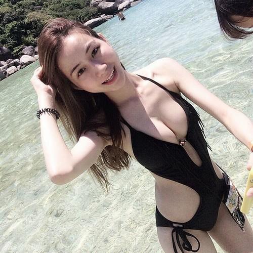 Ái nữ của đại gia Đài Loan được vạn người mê nhờ thân hình bốc lửa - 6
