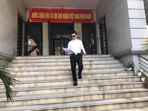 Chồng Phi Thanh Vân đơn phương ly hôn đúng lễ Tình nhân - 1
